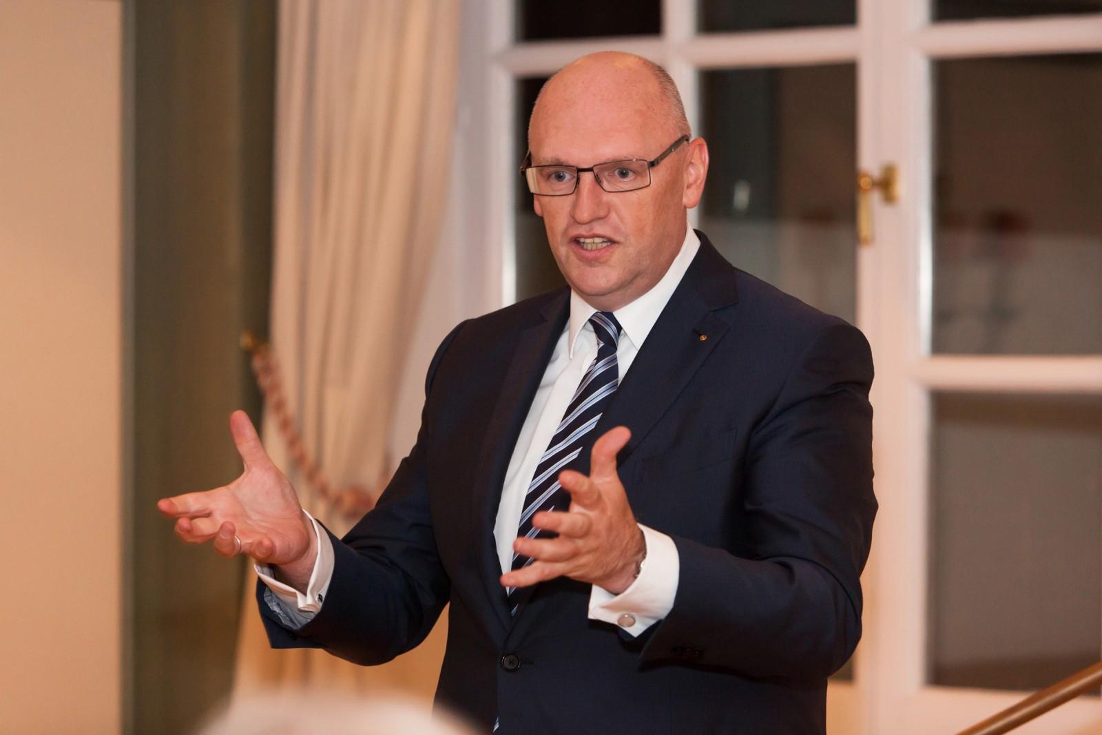 Uwe Krebs, Bankhaus DONNER & REUSCHEL