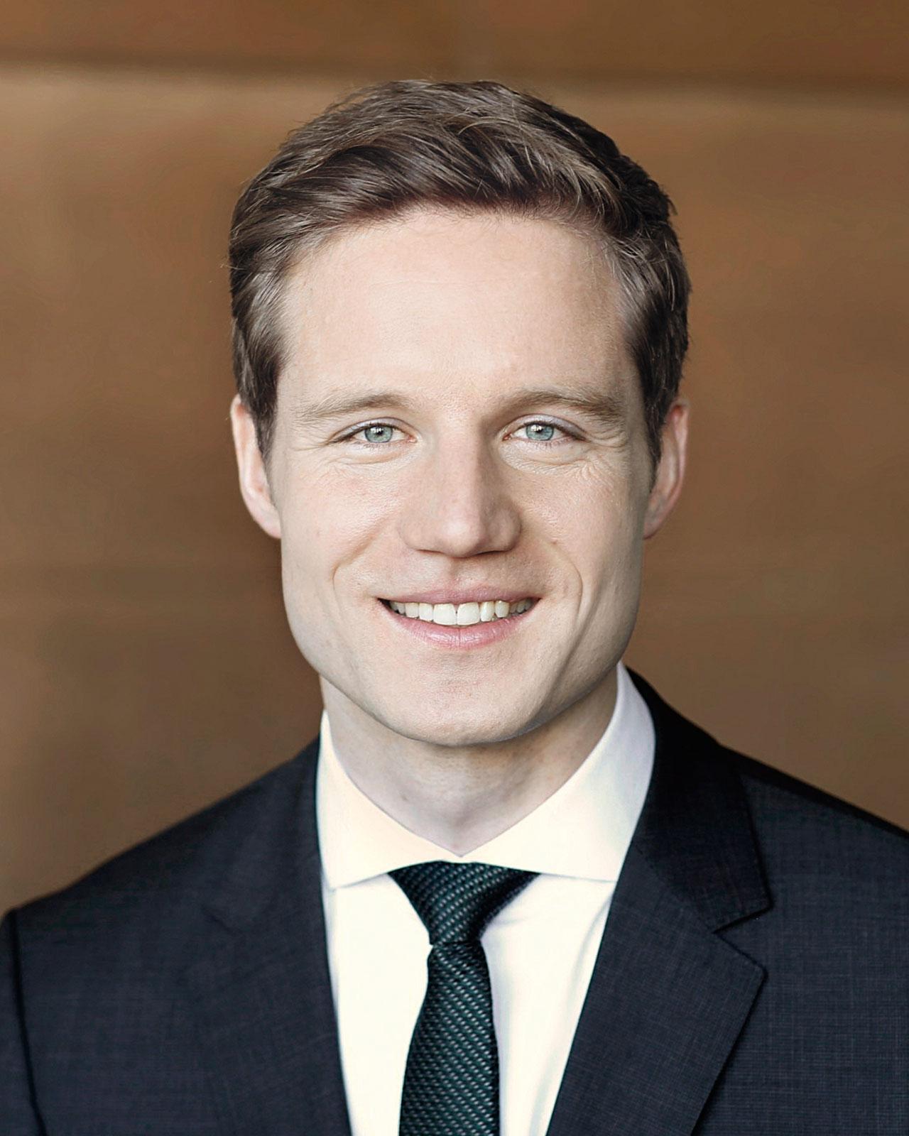 Dr. Sebastian Doedens