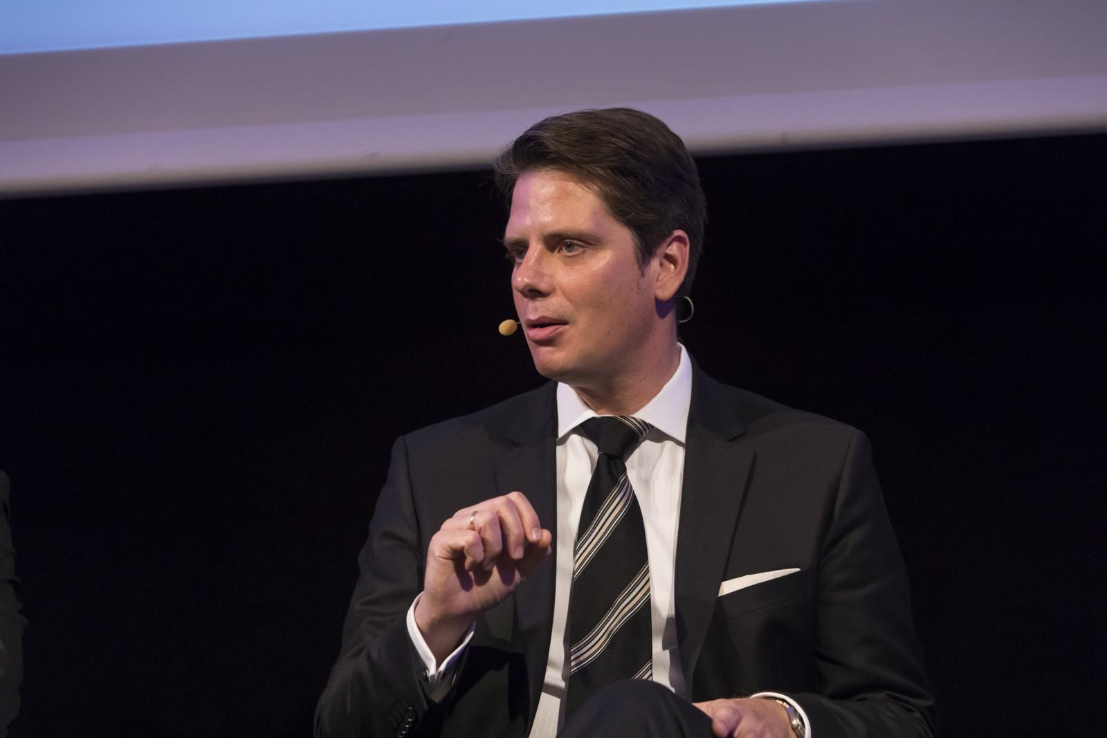 Dr. Tino Meitz